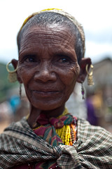 Femme Bonda (hubertguyon) Tags: portrait woman india market femme tribal tribe marché orissa inde tribu bonda onkadelli earthasia