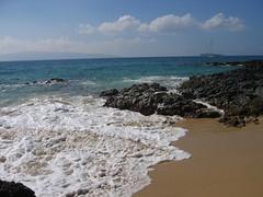 Waves Breaking on Sand (stu_macgoo) Tags: ocean hawaii lava sand scenery waves maui makena makenacove