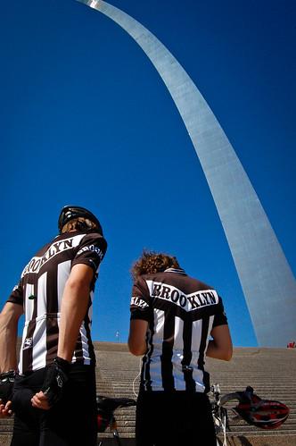 Dan, Maj & The Arch