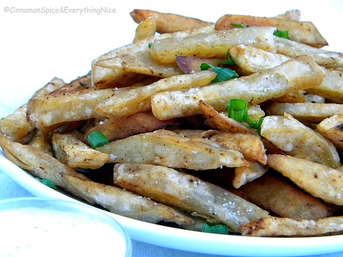 Yuca Fries with Sour Cream Salsa Dipping Sauce