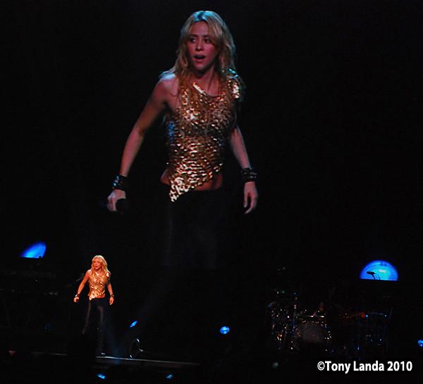 Shakira - Miami 2010 by TonyLanda