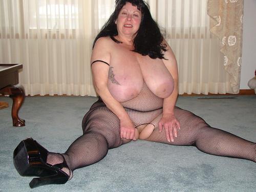 huge big boobs bouncy boobies pics: bigtits