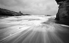 Grey Day at Howick Bath House (Ray Byrne) Tags: longexposure blackandwhite bw coast monotone northumberland shore howick bathhouse raybyrne