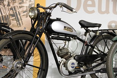 Miele 98 (pilot_micha) Tags: oktober museum germany deutschland thüringen motorcycle vehicle moped deu suhl baujahr1937 fahrzeugmuseum 10102010 friedrichkönigstrase miele98