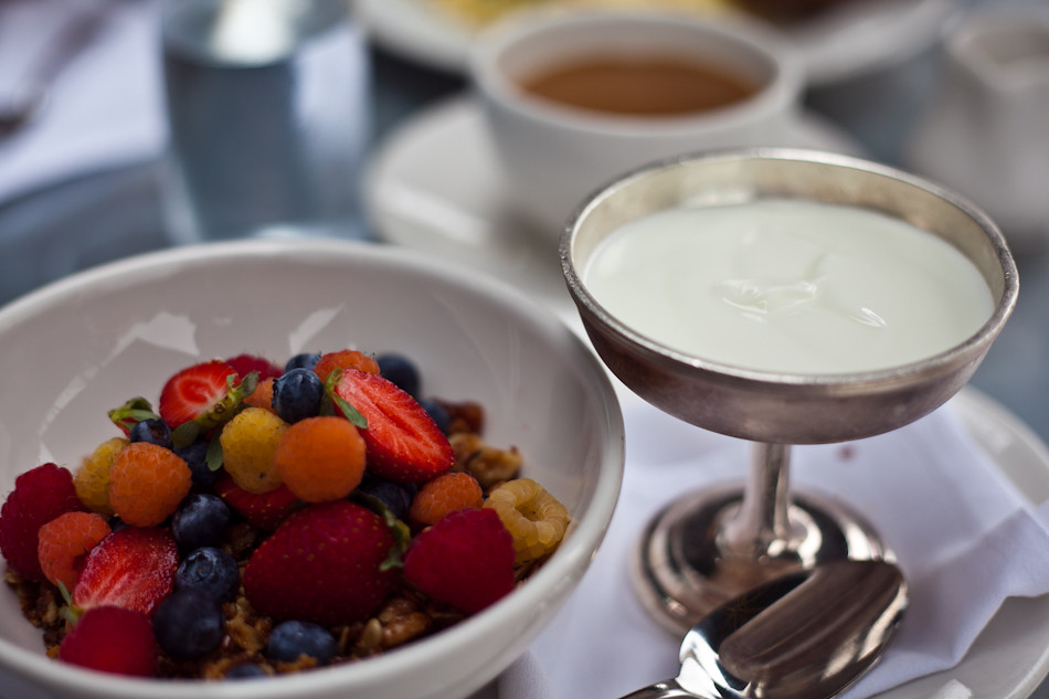 Tavern Granola, Fruit & Yogurt