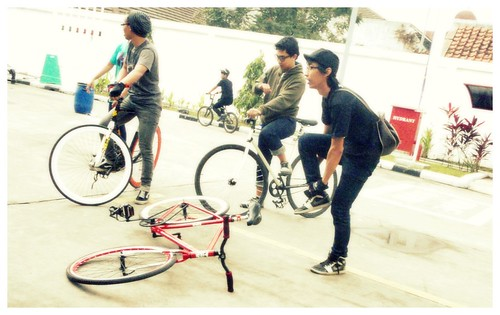 some fixie men