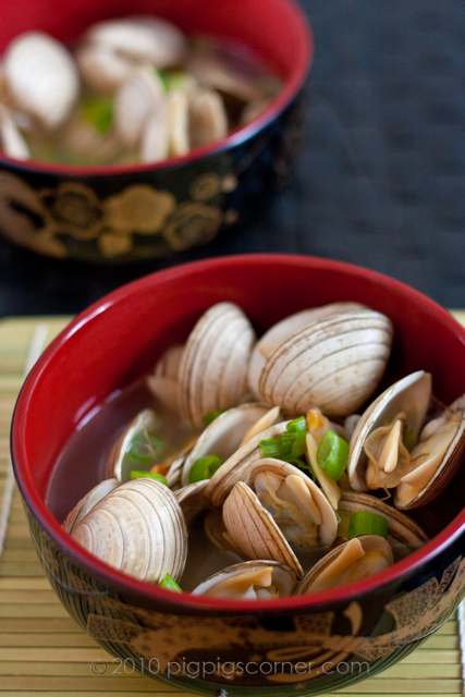 Sake-Steamed Clams (Asari no Sakamushi) 1