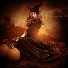Happy Halloween - Whendel d'Souza (W h e n d e l l) Tags: castle halloween happy pumpkins castelo happyhalloween blend bruxa abóbora edicão whendel whendeldsouza