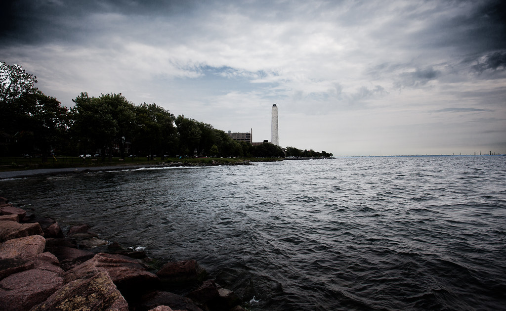 White Lighthouse [EOS 5DMK2 | EF 17-40L@17mm | 1/640 s | f/7.1 | ISO200]