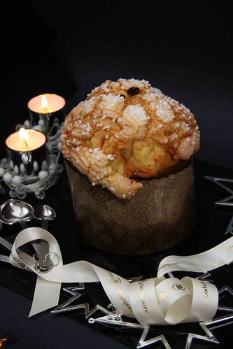 Sugar-crusted fluffy panettone