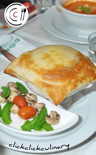 Gourmet Chicken and Mushroom Pie