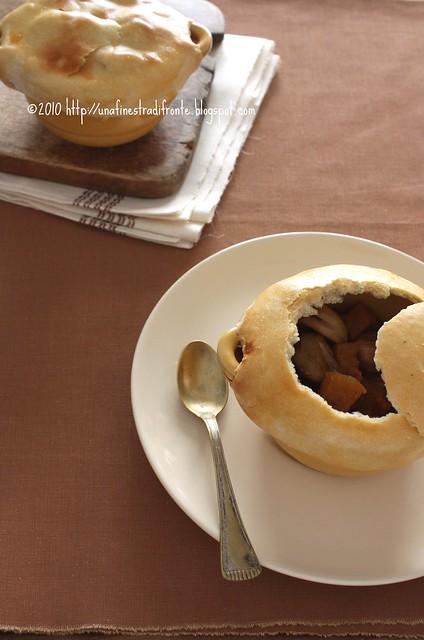 Zucca, castagne e cipolle in cocotte