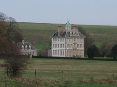 Ashdown House, Berkshire (Brownie Bear) Tags: new old uk england horse white house britain united great kingdom vale gb berkshire oxfordshire berks ashdown