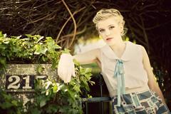 [フリー画像] 人物, 女性, 金髪・ブロンド, ファッション, オーストラリア人, 201101180700
