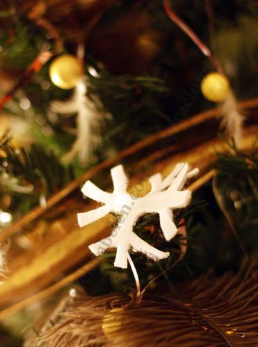 Manualidades Navideñas: Como hacer copos de nieve con discos de algodón para desmaquillar