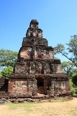 - Polonnaruwa, Sat Mahal Prasada - (dcem) Tags: srilanka polonnaruwa serendib 400d canonefs1855mm3556