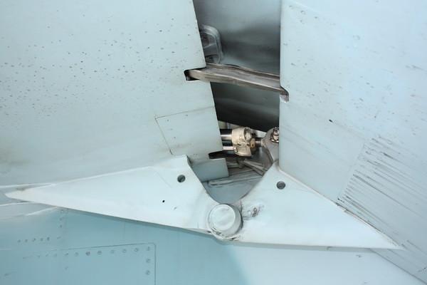 EAA10_FA-18C_055