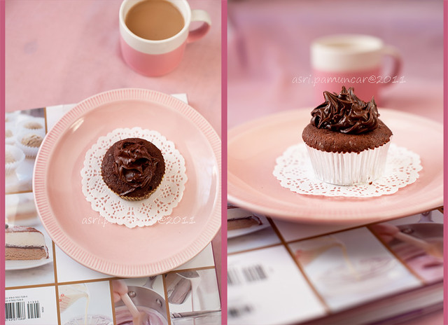 cupcake with ganache