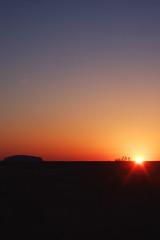 Uluru Pictures 352 RS (Swebbatron) Tags: australia dawn sunrise uluru ayersrock groovygrape redcentre northernterritory red fuji radlab travel lp 2008 life swebb