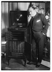 Caruso with phonograph (LOC) (The Library of Congress) Tags: libraryofcongress dc:identifier=httphdllocgovlocpnpggbain29835 xmlns:dc=httppurlorgdcelements11 enricocaruso caruso