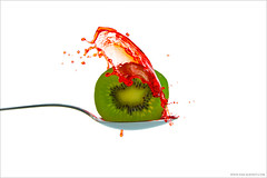 Kiwi splash I - Explore [FrontPage] (pascalbovet.com) Tags: bern highspeed fruit splash kiwi red green onwhite white drop water freeze motion arduino hivizcom