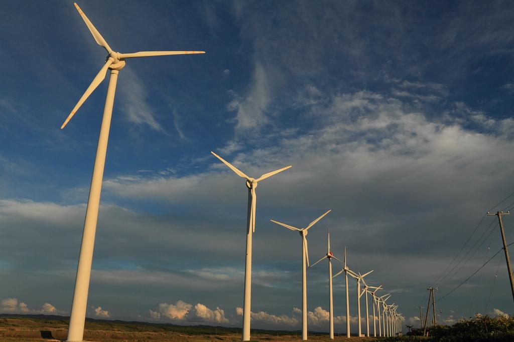 28 windmills along Hokkaido road No.106