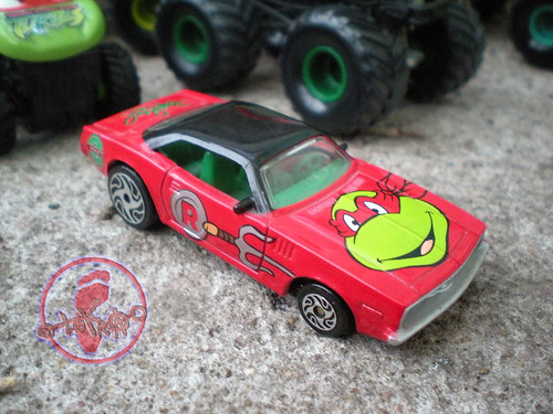 "Racing Champions ""Street Wheels"" diecast 1:64 scale - 'Teenage Mutant Ninja Turtles' 5 pack :: 1970 Barracuda Coupe - Raphael ii (( 1999 ))"