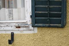 2010-09September-05_15-12-24 (Jakob Hrner) Tags: detail public fenster graz fassade lack verwittert fensterladen witterung bezirksamt waltendorf