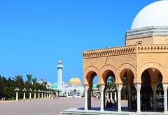 monastir (nuframe) Tags: africa blue beautiful architecture buildings gold tunisia central arches mausoleum monastir octagonal nuframe habibbourghiba