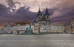 Old Town Square - Prague - Morning Sunlight (DiGitALGoLD) Tags: old morning sunlight digital sunrise buildings square gold town nikon republic czech prague praha nikkor oldtownsquare f28 d3 republika ceska 1424 1424mm