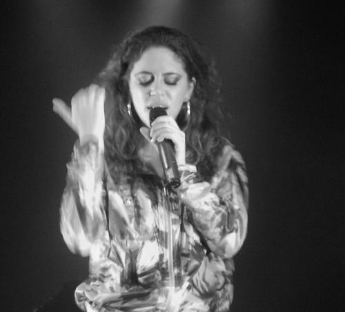 Luisa Maita - 04/09/10