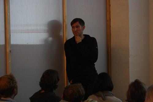 Sören Stamer bei seinem Vortrag anlässlich des betaclubs #1 im betahaus Hamburg