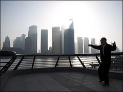 Morning Tai Chi (Christian Lagat) Tags: china morning shanghai 中国 上海 pudong taichi bund chine matin 太極拳 gymnastique nikkor1855mmf3556 nikond90