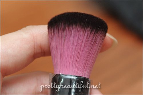 Powder brush
