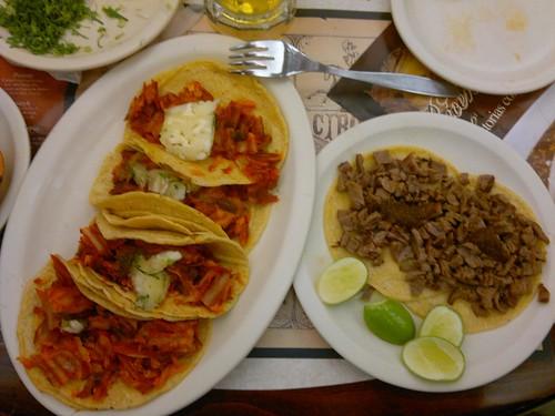 Tacos al pastor & tacos de bistec