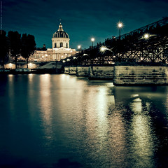 Au Pont des Arts (Marc Benslahdine) Tags: bridge light people paris colors night reflections square stars cityscape lumire explorer silhouettes bleu explore reflet squareformat pont soire lovely bp reflexions frontpage