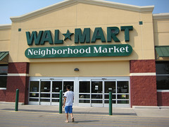 a Walmart Neighborhood Market in Louisville (by: Alex Leung, creative commons license)