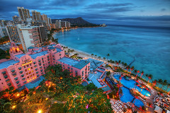 Waikiki at dusk (hapachris) Tags: sunset beach water contrast canon palms hawaii cityscape waikiki illumination wideangle diamondhead hyatt honolulu ultrawide hdr royalhawaiian moanasurfrider 1635mm highdynamic 5dmarkii