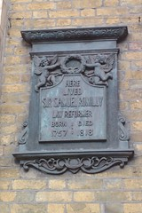 Photo of Samuel Romilly bronze plaque