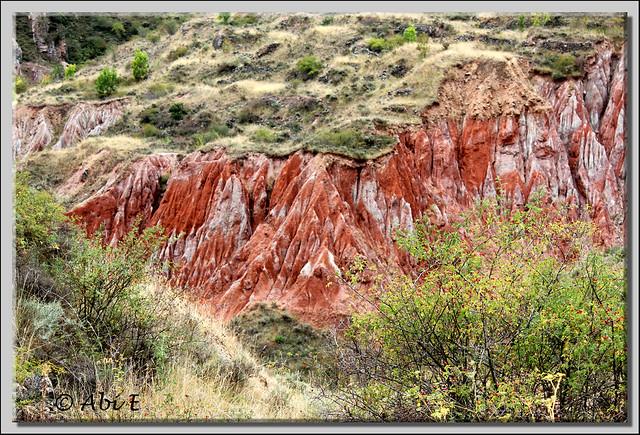 4 Color de la tierra debajo del Diapiro