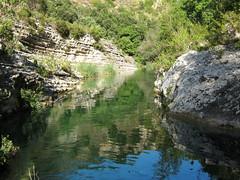 una parte si nasconde (Andrei (tra le foglie)) Tags: fiumi avola cavagrande