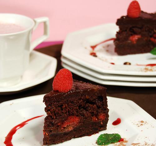 cake_raspberryganache_ani_phyo
