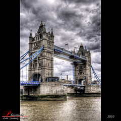 London Bridge (_Hadock_) Tags: old bridge windows wallpaper london tower texture rio de puente gris high image stones background hill creative 7 commons screen seven cielo londres xp linux vista range ubuntu alto unix fondo hdr imagen pantalla siete saver tamesis dinamico walpaper thamesis dinamic rango pierda