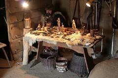 Wikinger-Holzfiguren 2. Herbstmarkt bei den Wikinger Häuser in Haithabu WHH - 03-10-2010