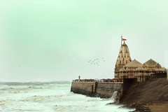 Somnath Temple (Explored) (camera.cupid) Tags: moon india temple worship shrine sacred shiva hindu pilgrimage mandir gujarat somnath jyotirlinga