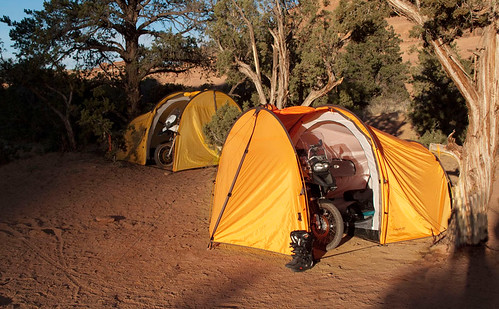nomad-motorcycle-tent-xl