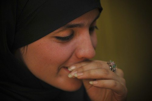 [フリー画像] 人物, 女性, ヒジャブ, アフガン, 201010101700