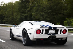 Ford GT (Lambo8) Tags: blue usa white france travelling ford photography photo nikon shot photos 4 s bleu 55mm f 1855mm af 1855 gt nikkor 18 55 blanche fr blanc f4 v8 tracking afs bleue 18mm d80 worldcars dimanche20septembre2009lambosuisse photogtaphie