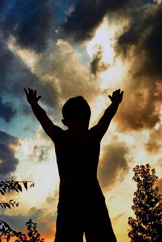 フリー写真素材, 人物, 子供, 夕日・夕焼け・日没, シルエット,