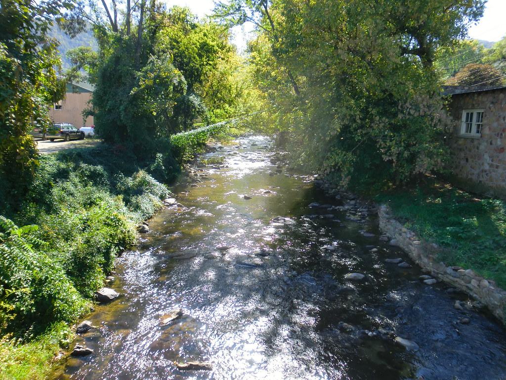 Sunny Creek 001